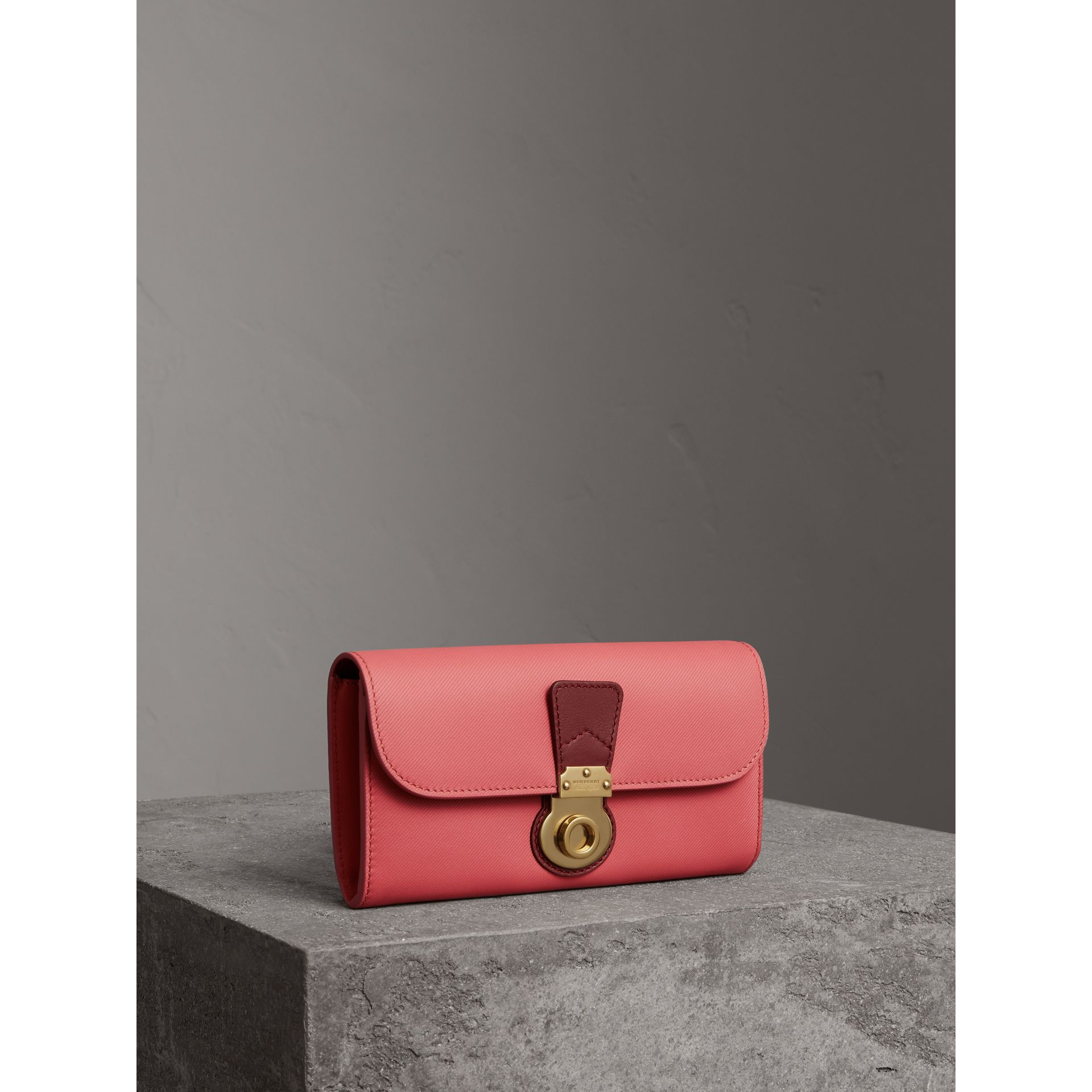 Two-tone Trench Leather Continental Wallet in Blossom Pink/antique Red - Women | Burberry - gallery image 0