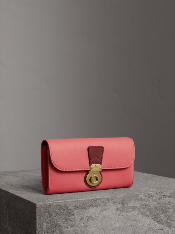 Two-tone Trench Leather Continental Wallet in Blossom Pink/antique Red