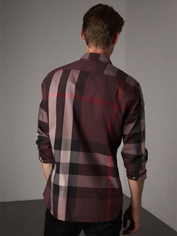 Camicia in misto cotone stretch con motivo tartan e colletto button-down (Rosso Mogano) - Uomo | Burberry - cell image 2