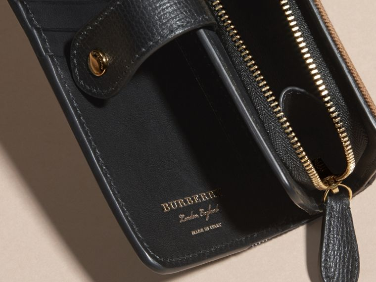 Black House Check and Leather Wallet Black - cell image 4