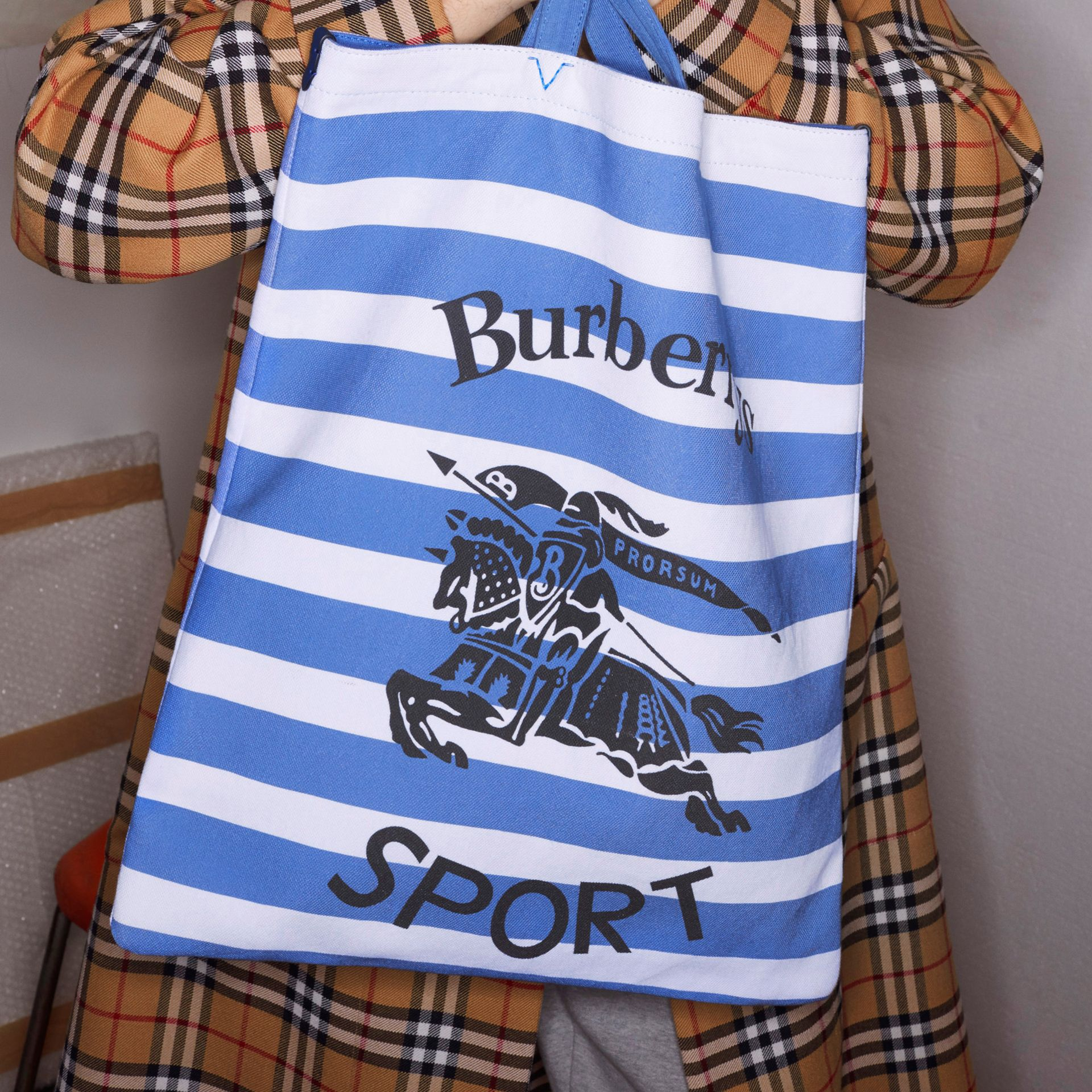 Large Archive Logo Striped Jersey Shopper in Sky Blue/white | Burberry - gallery image 4