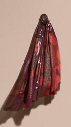 Écharpe légère en cachemire à imprimé floral, avec détails en feuille d'or