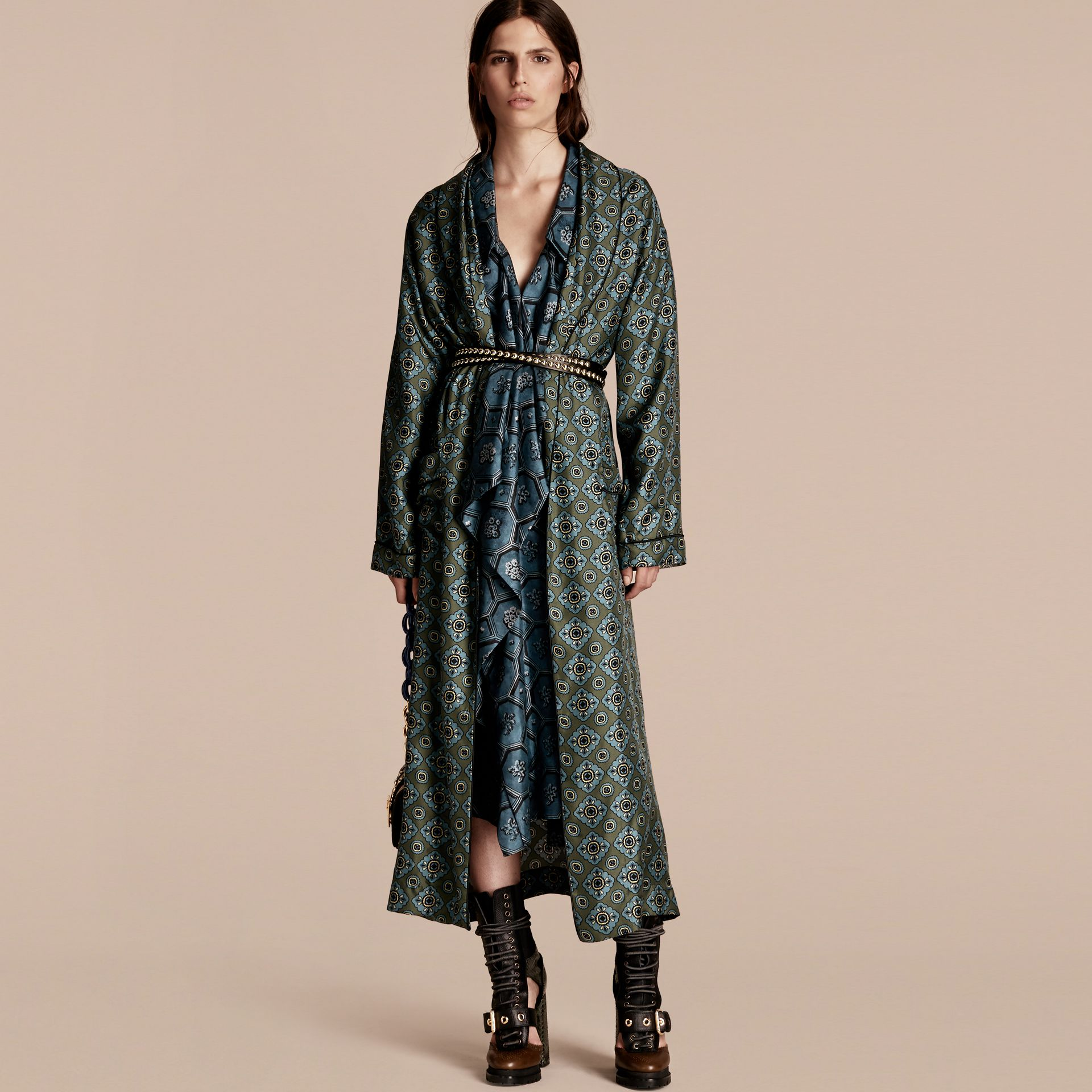 Lawn green Geometric Tile Print Silk Twill Dressing Gown Coat - gallery image 1