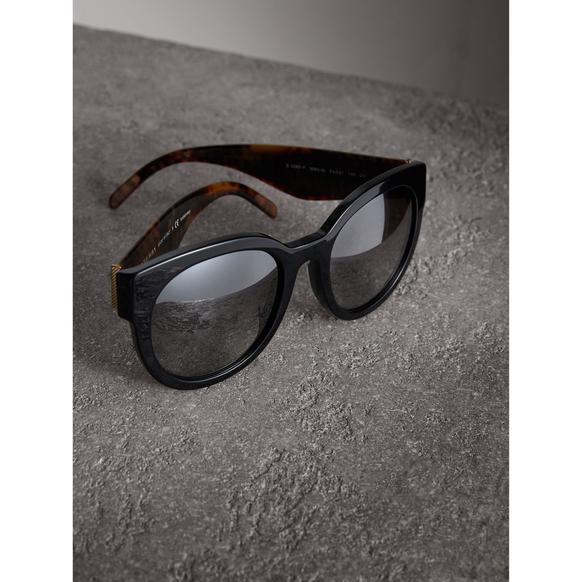 Round Frame Sunglasses in Black - Women | Burberry United Kingdom - gallery image 2
