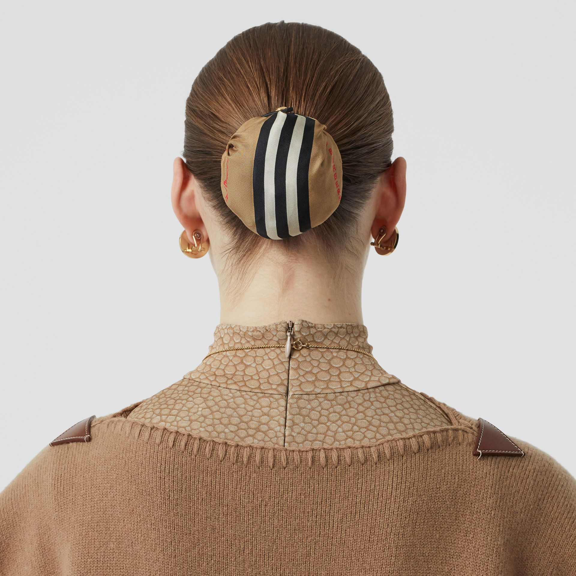 Icon Stripe Silk Chignon Cover in Beige | Burberry Hong Kong S.A.R - gallery image 2