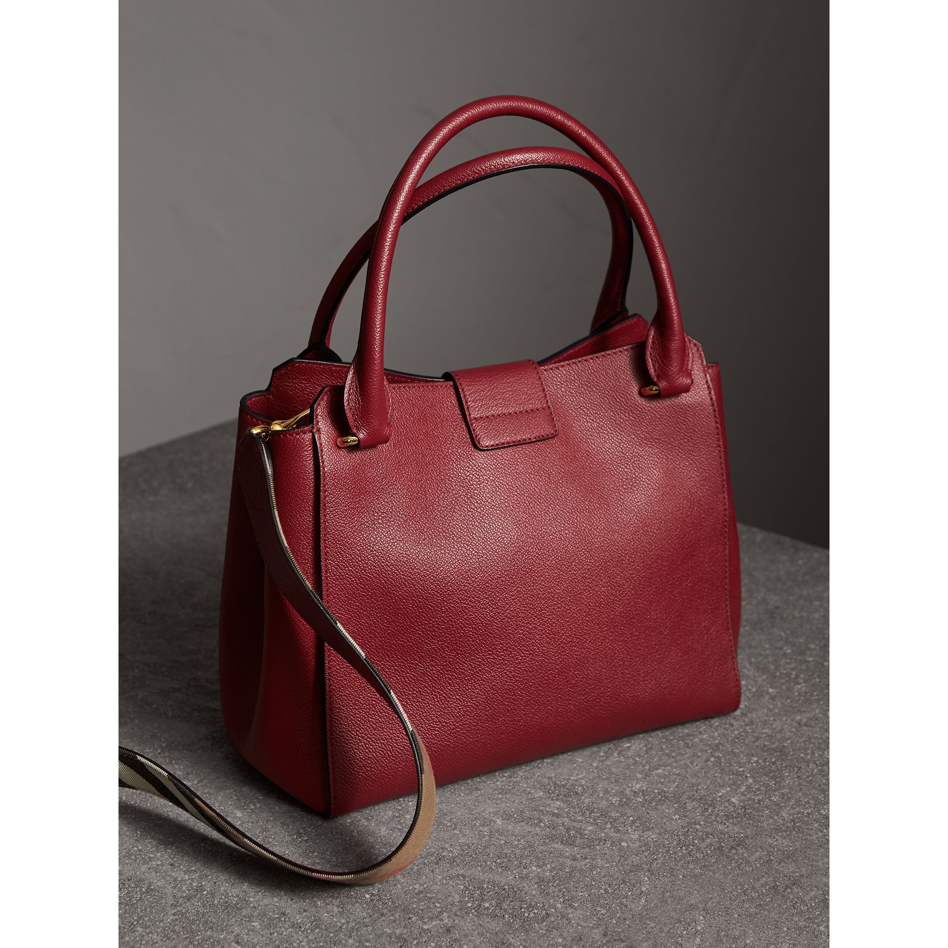 The Medium Buckle Tote in Grainy Leather in Parade Red - Women | Burberry United Kingdom - gallery image 4