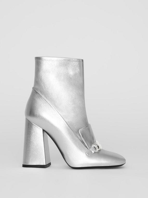 鉚釘飾條細節設計皮革踝靴 (銀色)