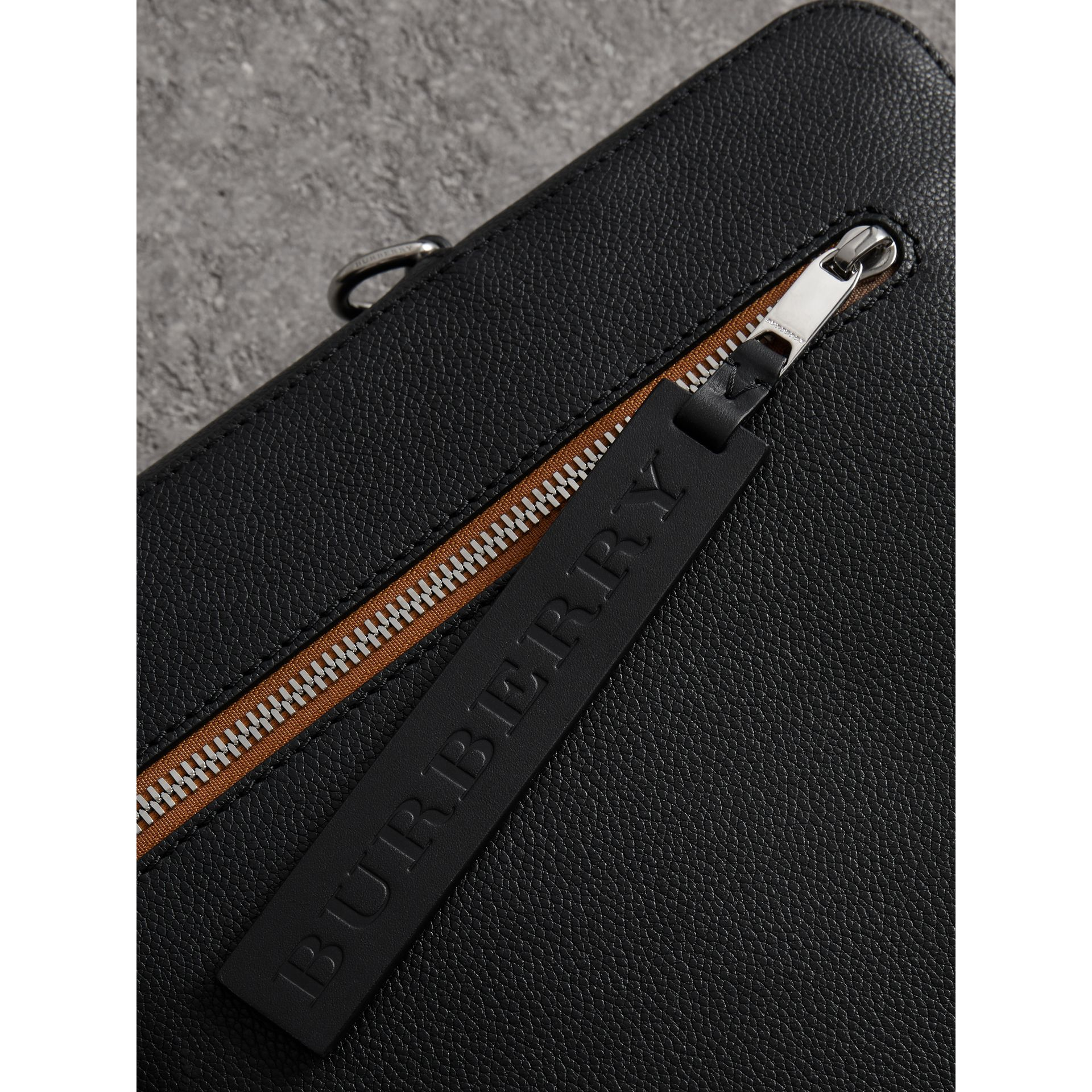 Attaché-case en cuir grainé (Noir) - Homme | Burberry Canada - photo de la galerie 1