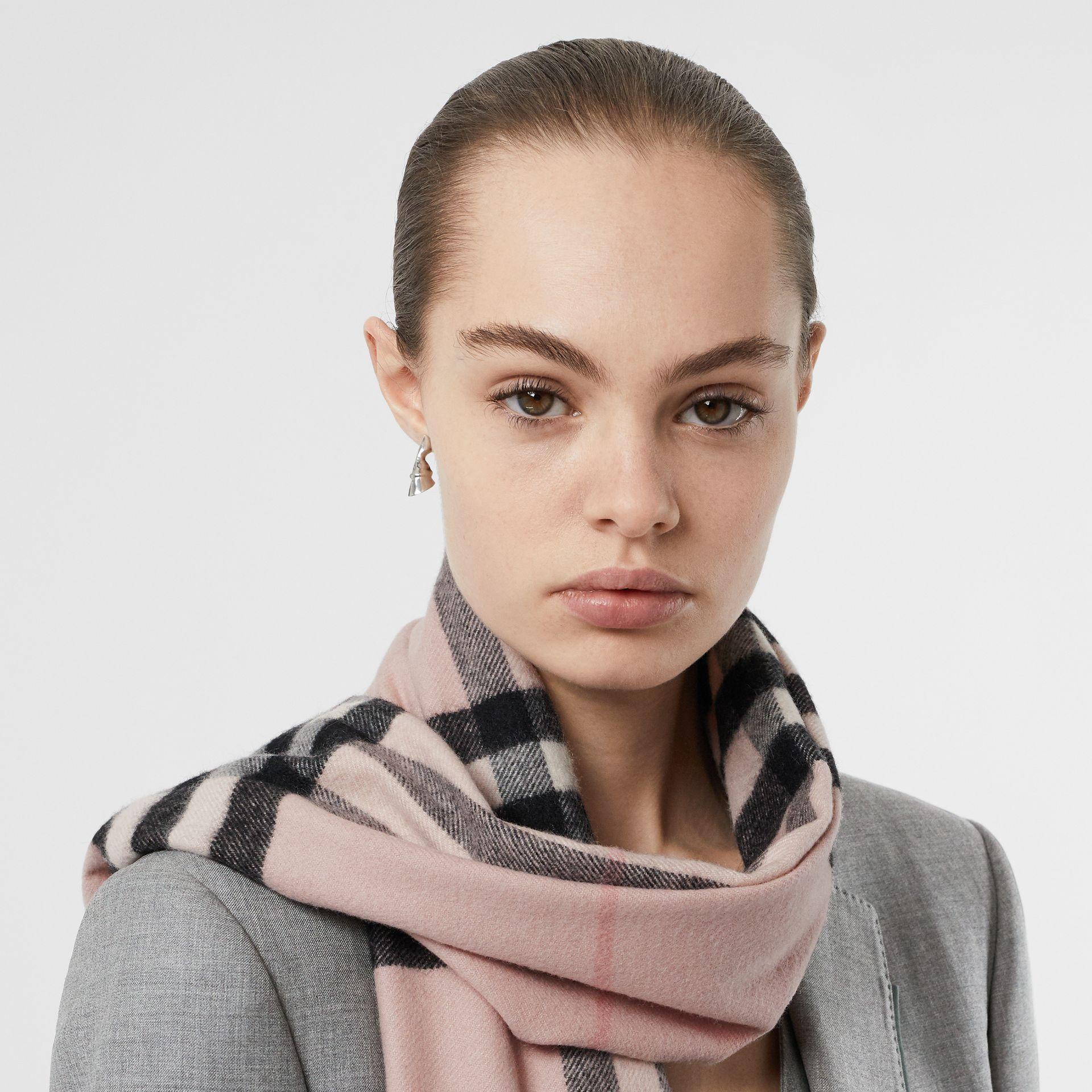 The Classic Check Cashmere Scarf in Ash Rose | Burberry Singapore - gallery image 2