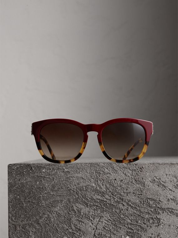 Buckle Detail Square Frame Sunglasses in Burgundy - Women | Burberry - cell image 3