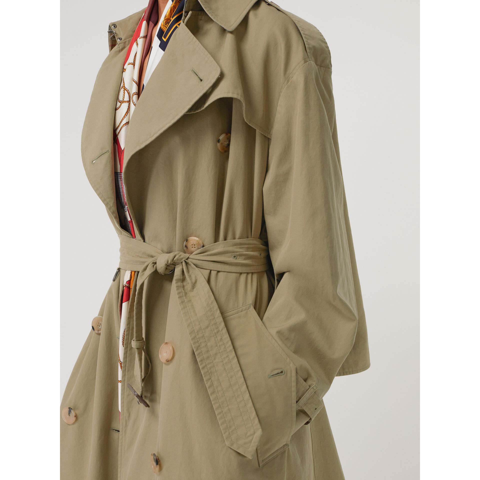 Relaxed Fit Tropical Gabardine Trench Coat in Vintage Green - Women | Burberry United States - gallery image 1