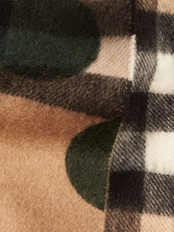 Dark forest green The Mini Classic Cashmere Scarf in Check and Dots - cell image 3