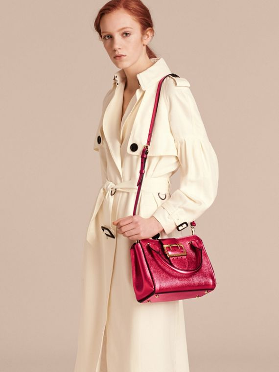 The Small Buckle Tote in Metallic Leather Bright Pink - cell image 2