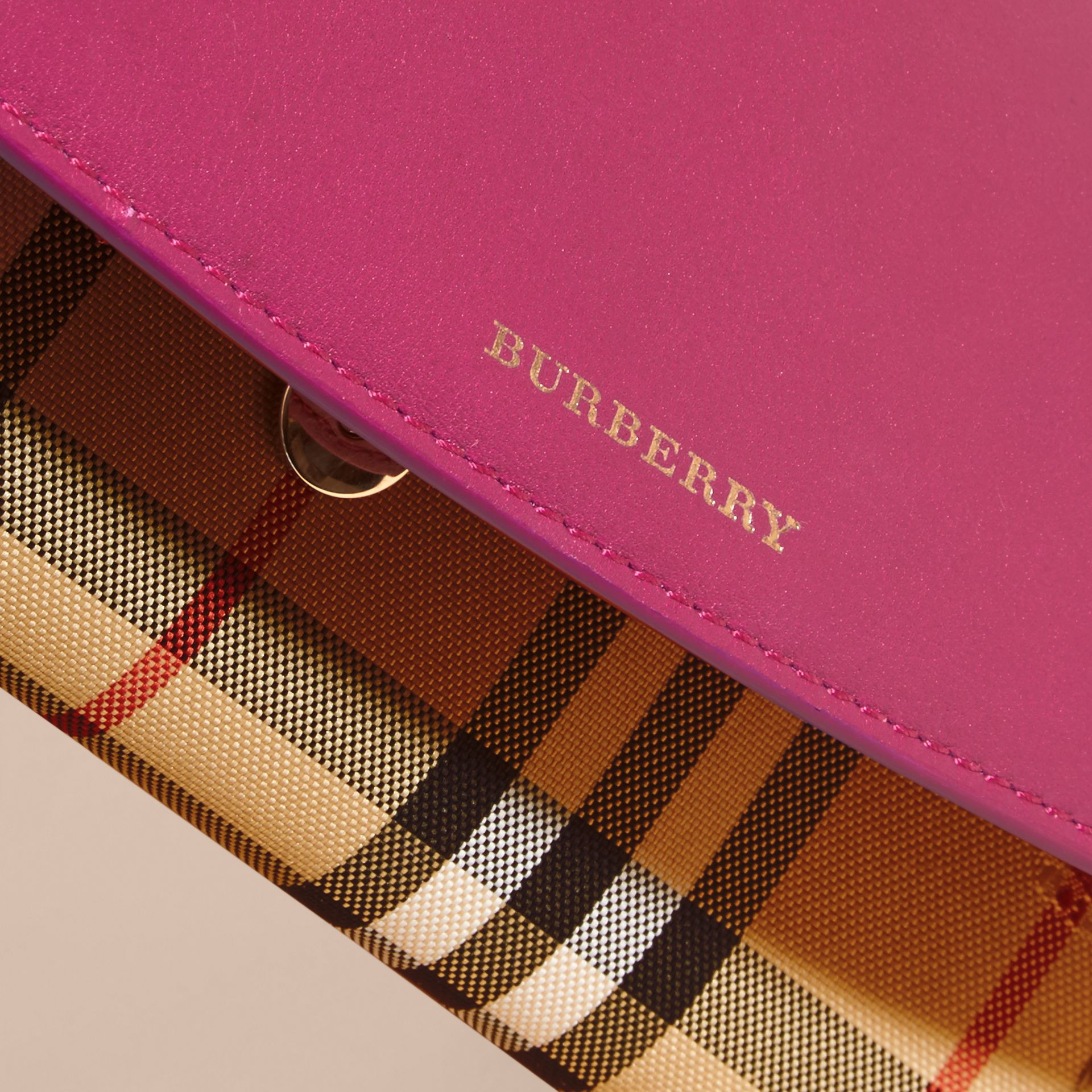 Brilliant fuchsia Horseferry Check and Leather Wallet with Chain Brilliant Fuchsia - gallery image 6