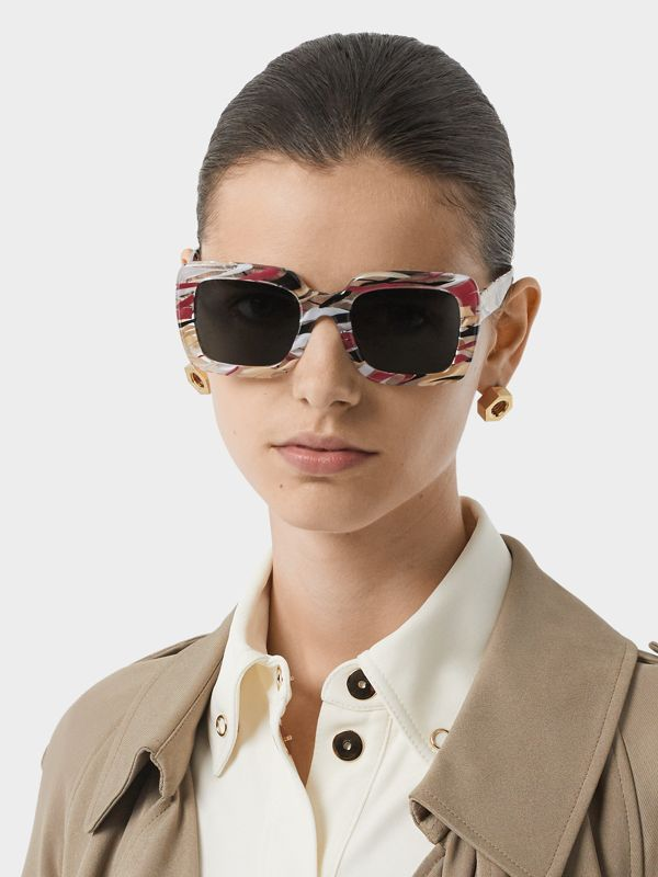 Marbled Check Oversized Square Frame Sunglasses in Lacquer Red - Women | Burberry - cell image 2