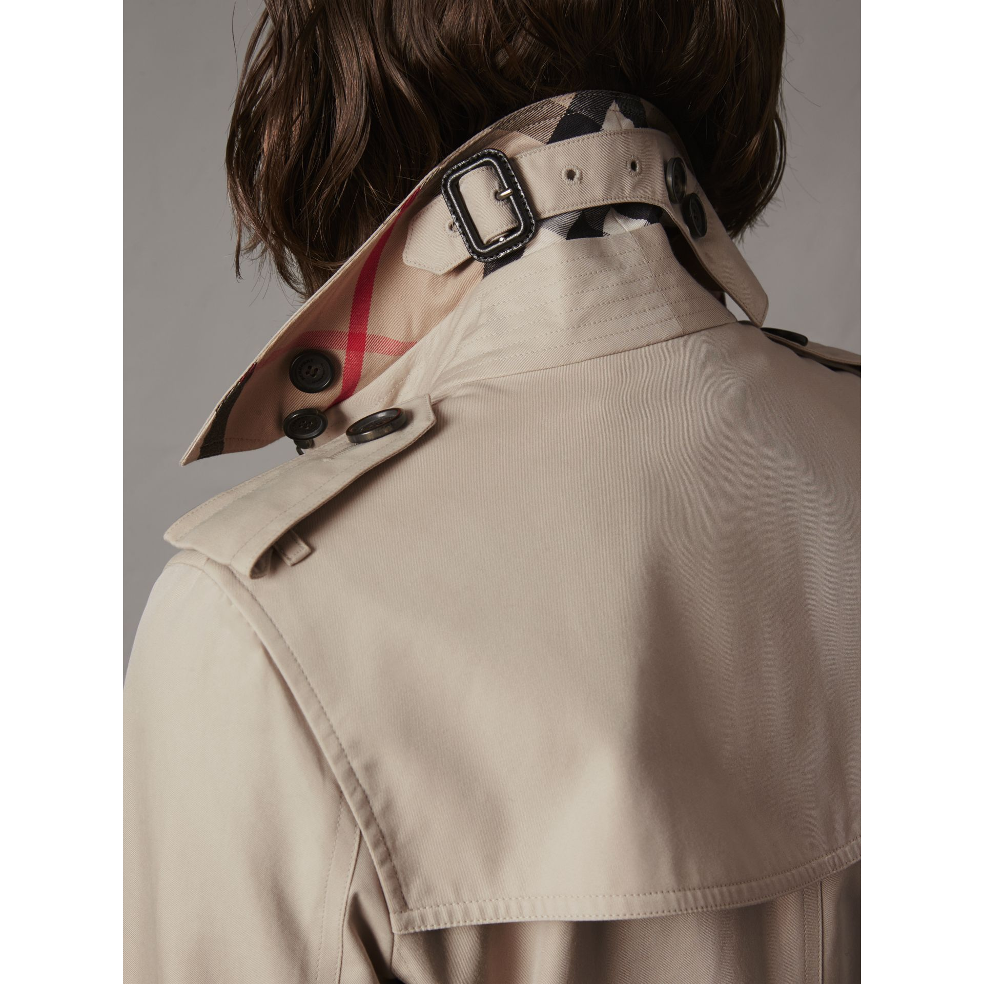 The Kensington – Mid-length Trench Coat in Stone - Women | Burberry United Kingdom - gallery image 1