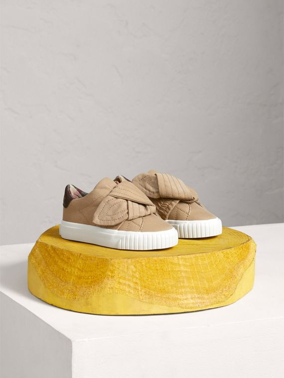 Trench Knot Cotton Gabardine Trainers in Honey