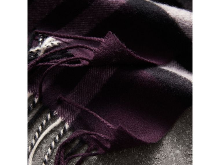 The Classic Check Cashmere Scarf in Aubergine | Burberry - cell image 4