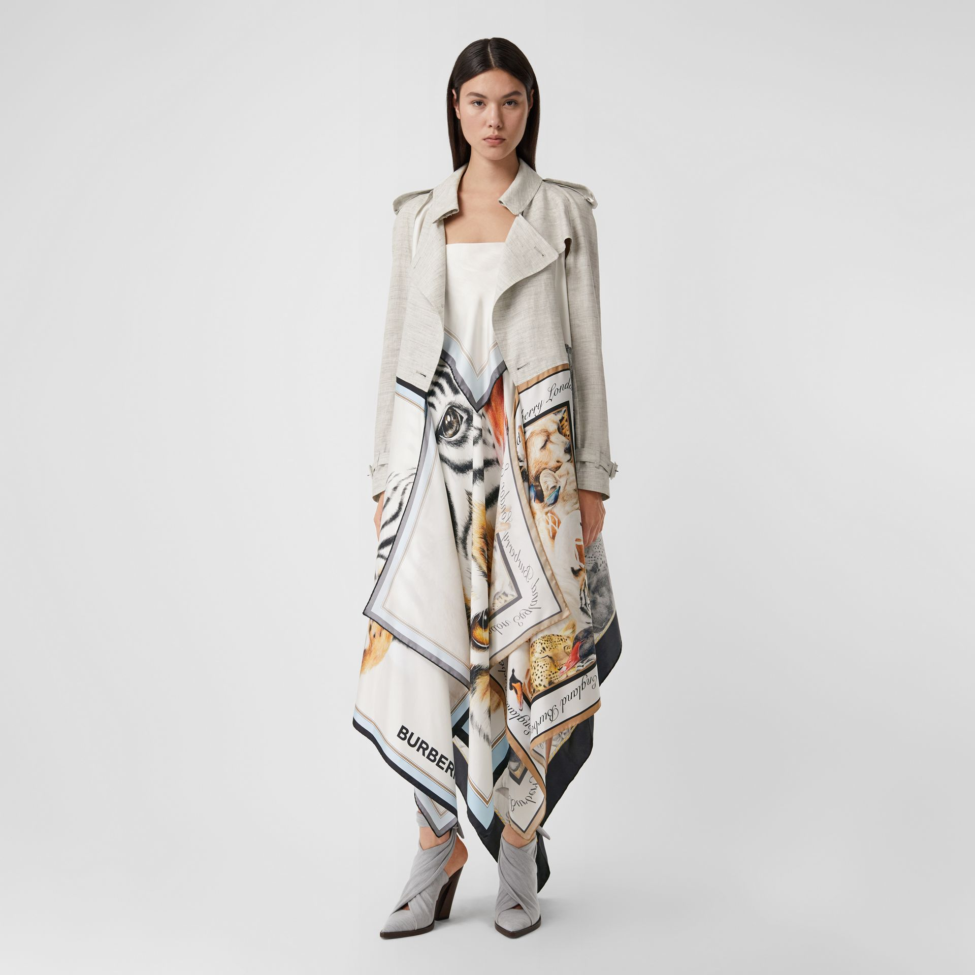 Animalia Print Linen Trench Dress in Grey Melange - Women | Burberry - gallery image 5