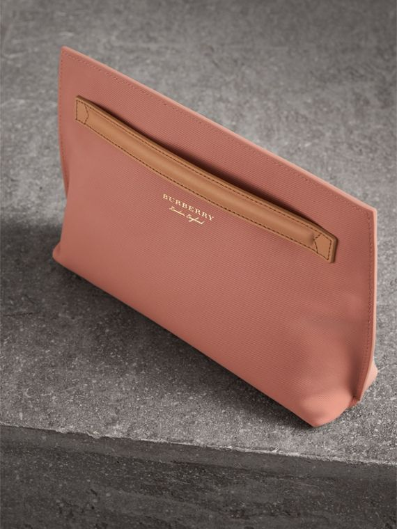 Two-tone Trench Leather Wristlet Pouch in Ash Rose/pale Clementine - Women | Burberry United Kingdom - cell image 3