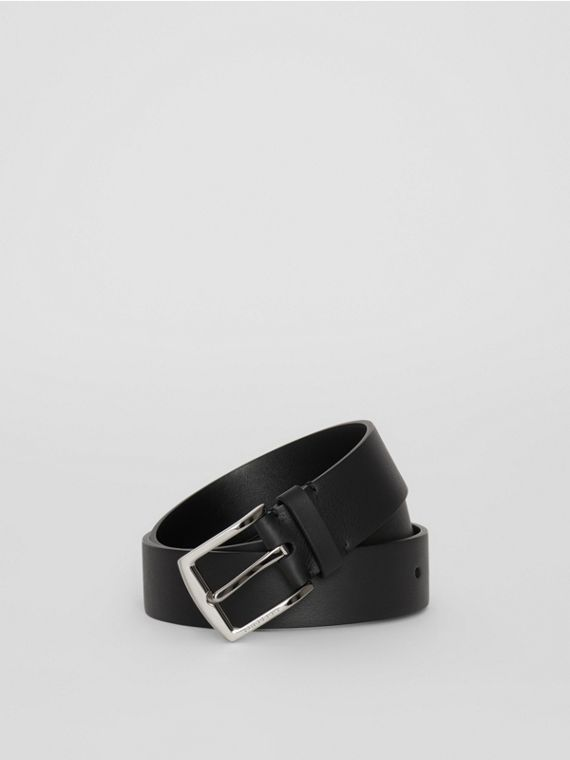Embossed Crest Leather Belt in Black