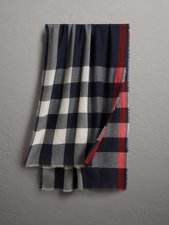 The Lightweight Check Cashmere Scarf in Navy