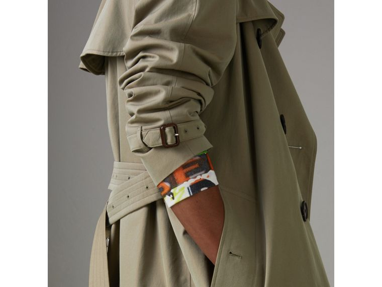 Tropical Gabardine Oversized Trench Coat in Chalk Green - Men | Burberry United Kingdom - cell image 4