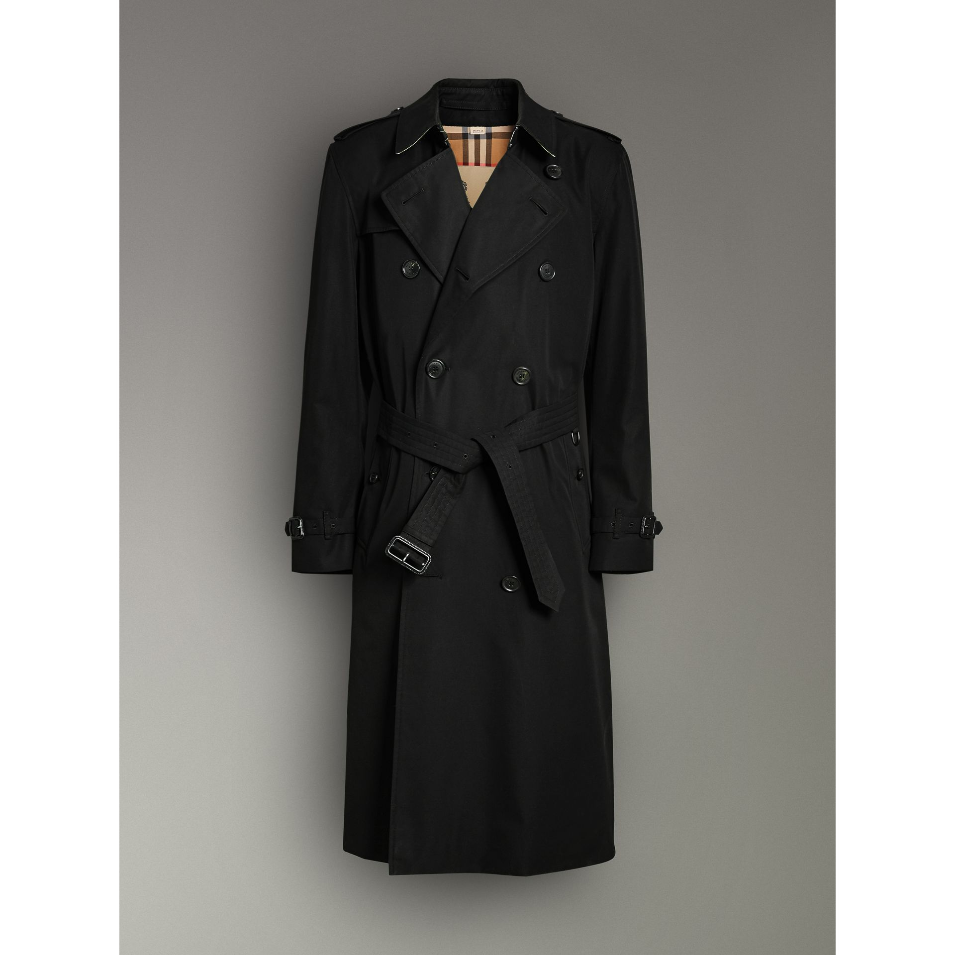 The Long Kensington Heritage Trench Coat in Black - Men | Burberry - gallery image 3