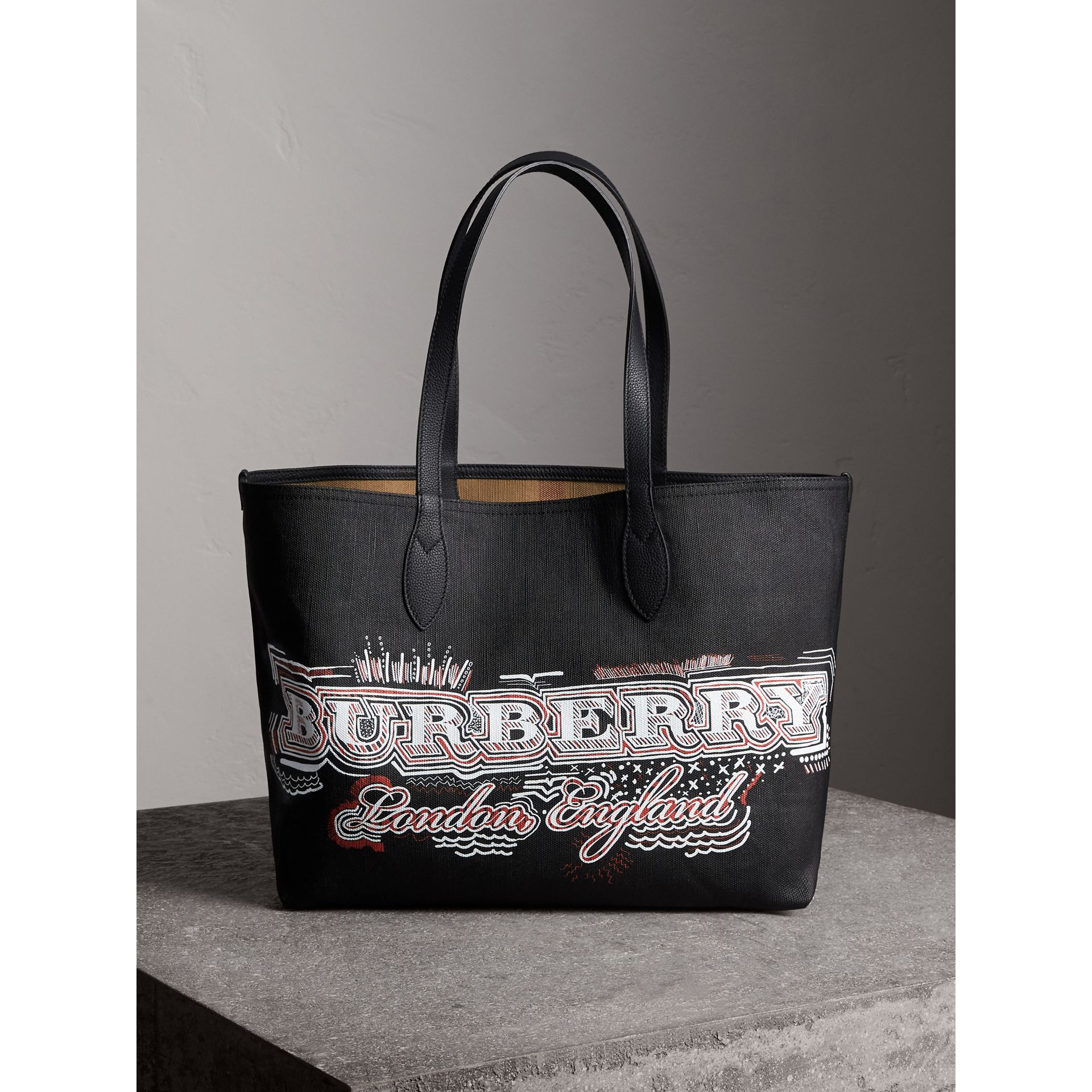 The Medium Reversible Doodle Tote in Black | Burberry - gallery image 1