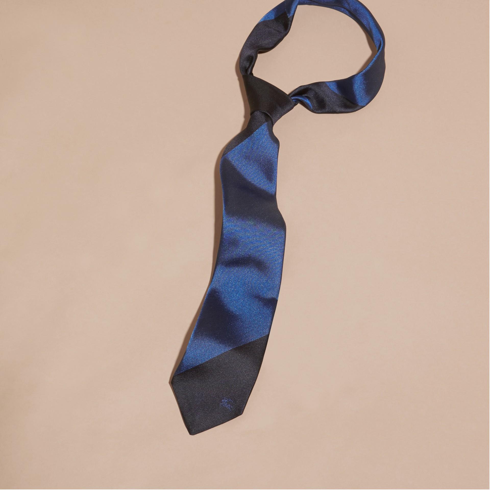 Navy Slim Cut Striped Jacquard Silk Tie Navy - gallery image 1