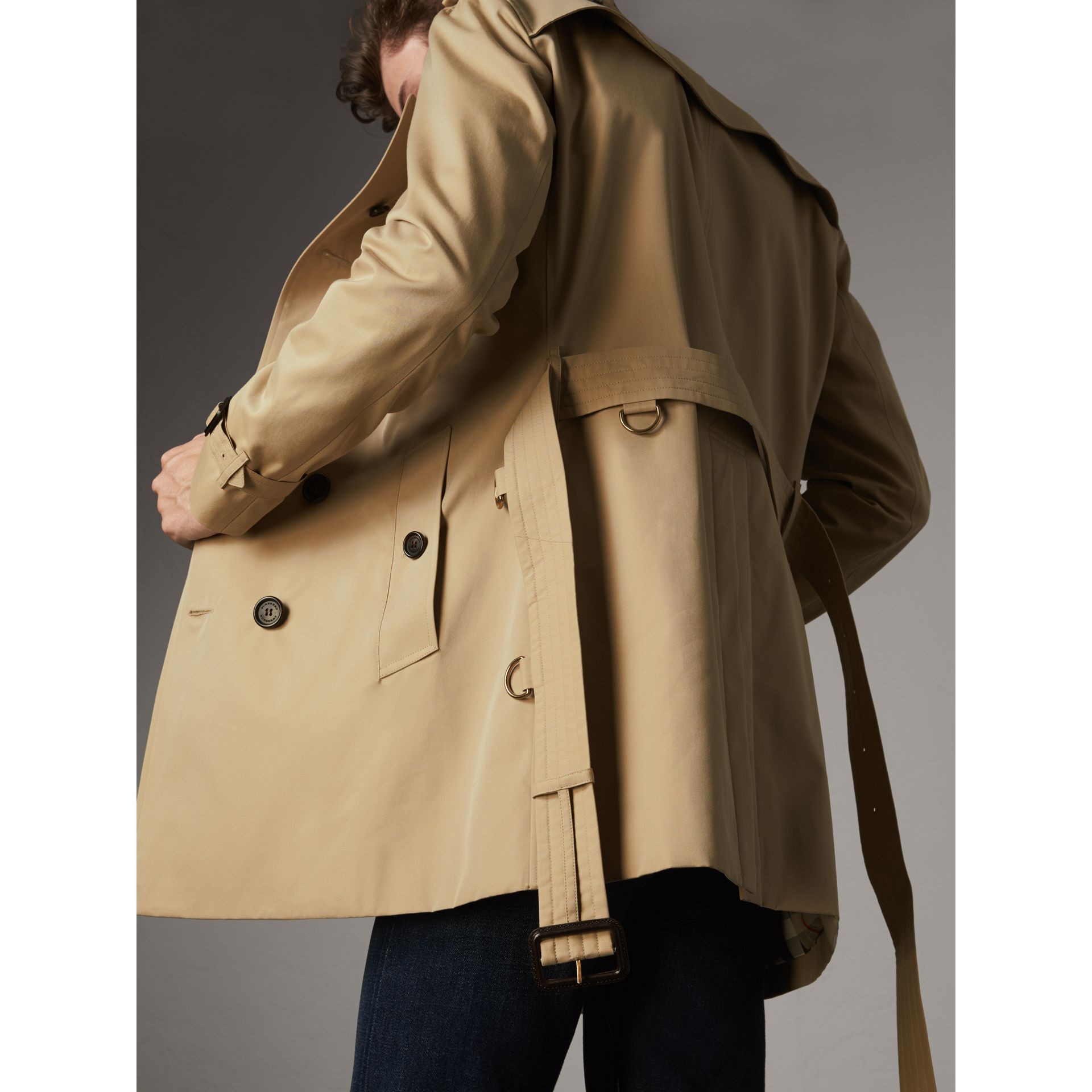 The Chelsea – Mid-length Heritage Trench Coat in Honey - Men | Burberry Singapore - gallery image 7