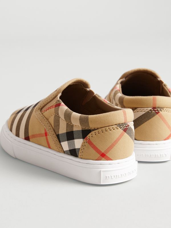 Sneakers sans lacets en cuir à motif Vintage check (Jaune Antique/blanc Optique) - Enfant | Burberry Canada - cell image 2