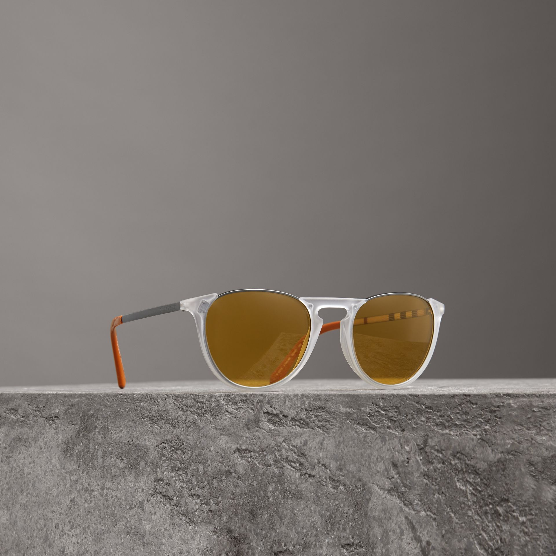 Keyhole Pilot Round Frame Sunglasses in Crystal - Men | Burberry - gallery image 0