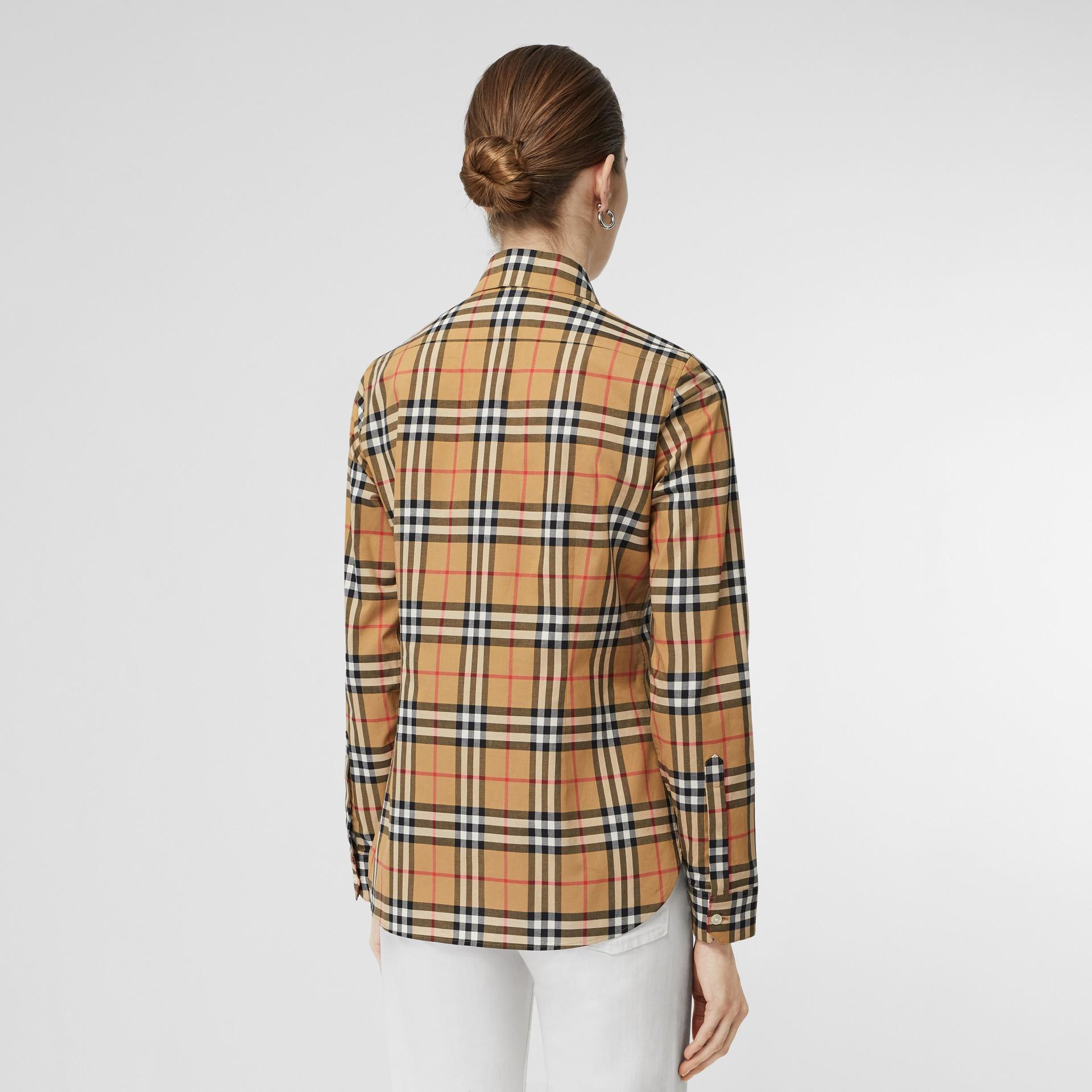 Chemise en coton à motif Vintage check (Jaune Antique) - Femme | Burberry - photo de la galerie 2