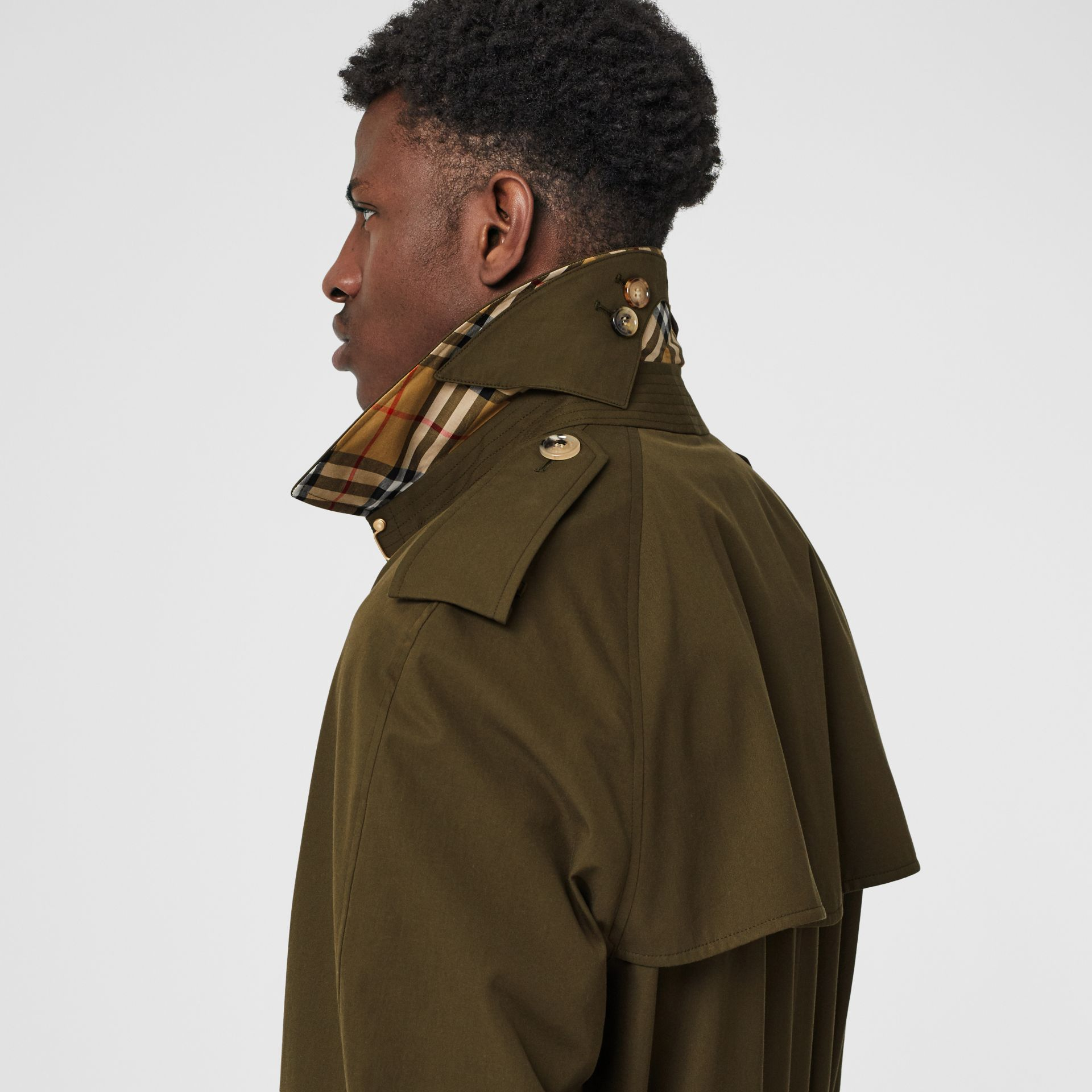The Westminster Heritage Trench Coat in Dark Military Khaki - Men | Burberry United Kingdom - gallery image 5