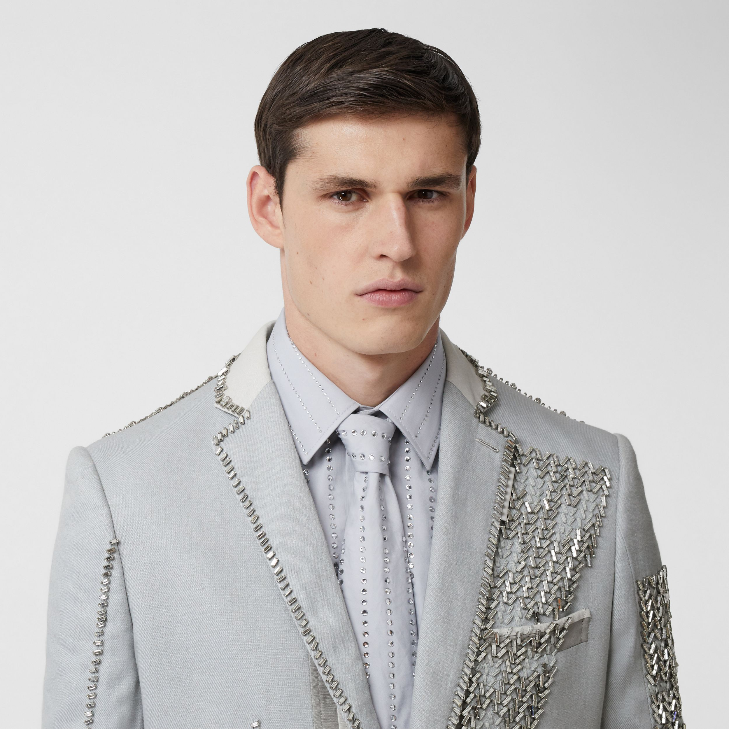 English Fit Crystal Embroidered Technical Linen Jacket in Light Pebble Grey - Men | Burberry - 2