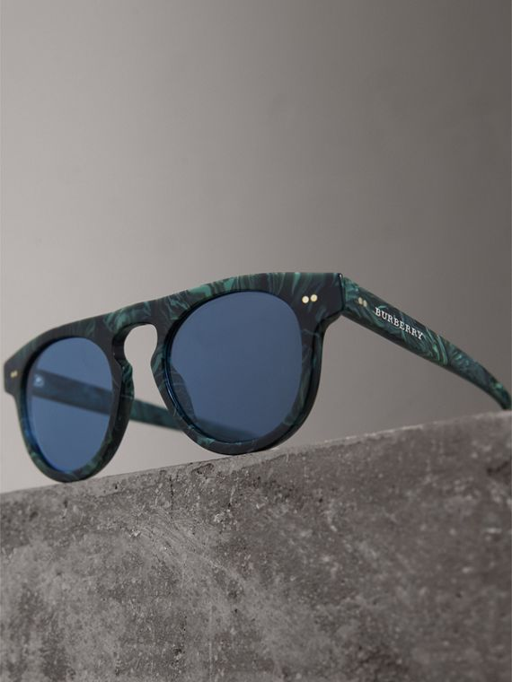 The Keyhole Round Frame Sunglasses in Green Marble/blue | Burberry Singapore - cell image 2