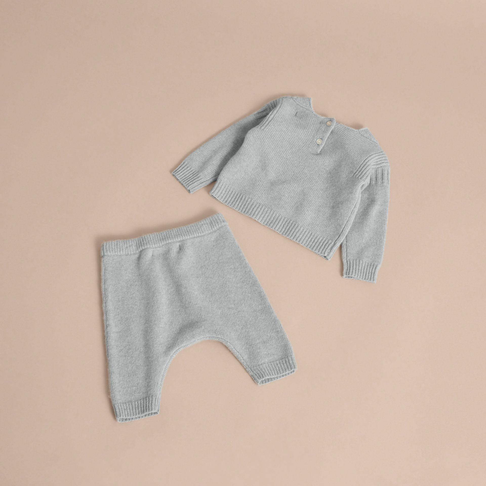Cashmere Two-piece Baby Gift Set in Pale Mint | Burberry - gallery image 3