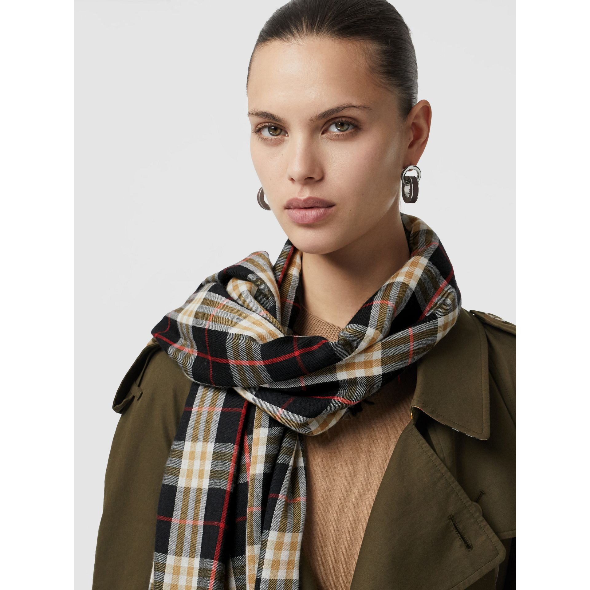 Vintage Check Lightweight Cashmere Scarf in Black | Burberry - gallery image 5