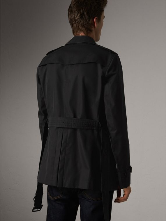 The Chelsea – Short Heritage Trench Coat in Black - Men | Burberry Canada - cell image 2