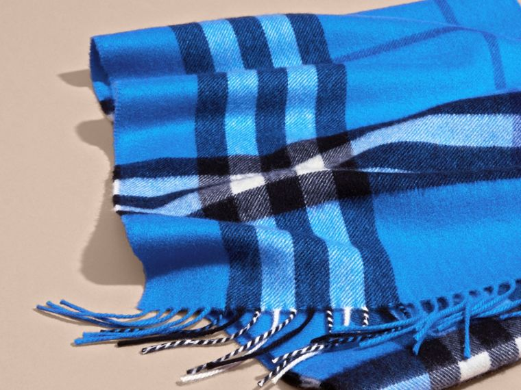 The Classic Cashmere Scarf in Check  Bright Cornflower Blue - cell image 4