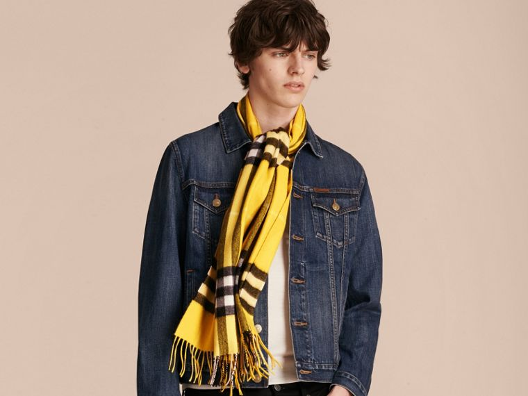 Gorse yellow The Classic Cashmere Scarf in Check  Gorse Yellow - cell image 4