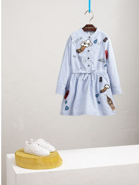 London Icons Appliqué Cotton Linen Shirt Dress in Pale Blue/white