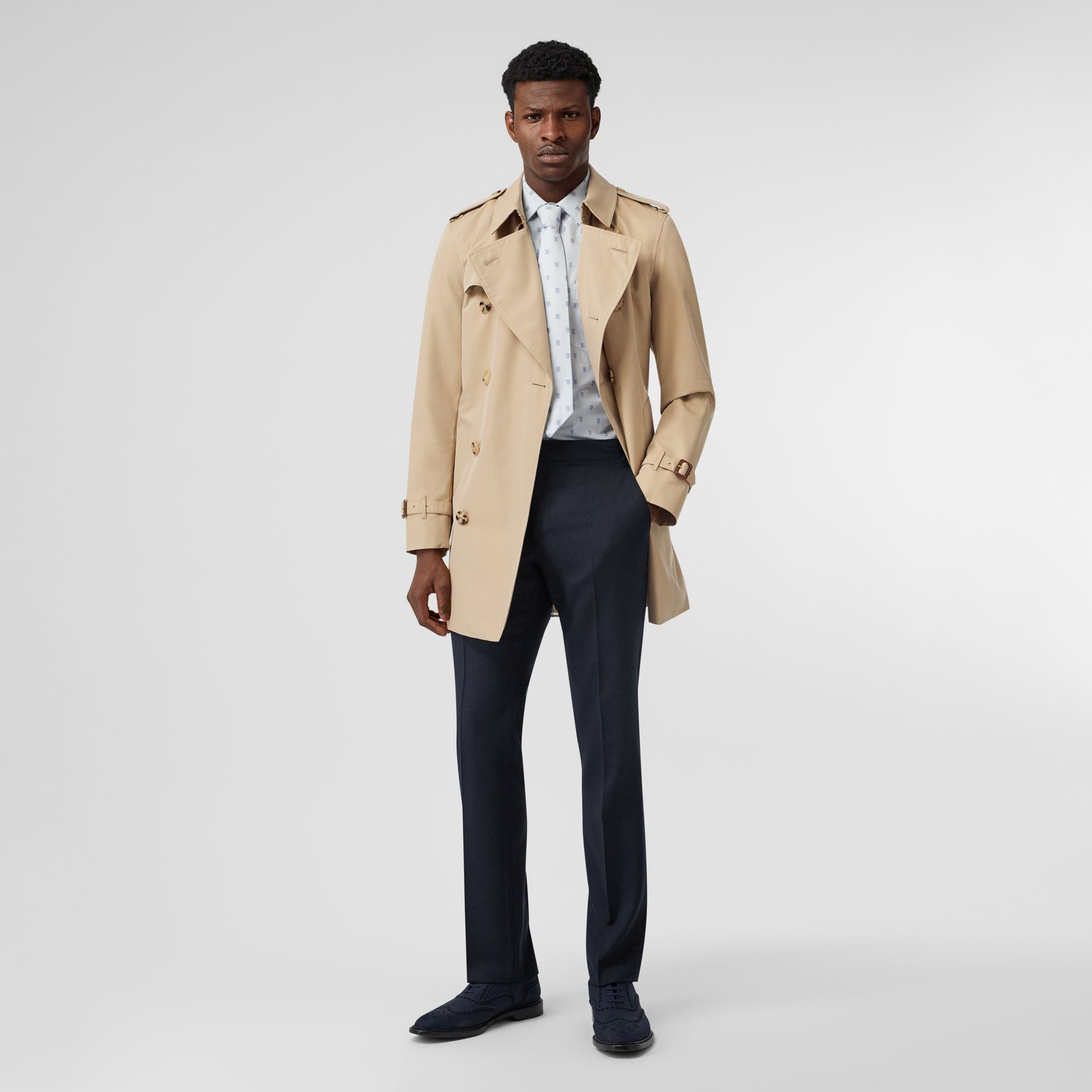 Short Chelsea Fit Trench Coat in Honey - Men | Burberry United Kingdom - gallery image 0