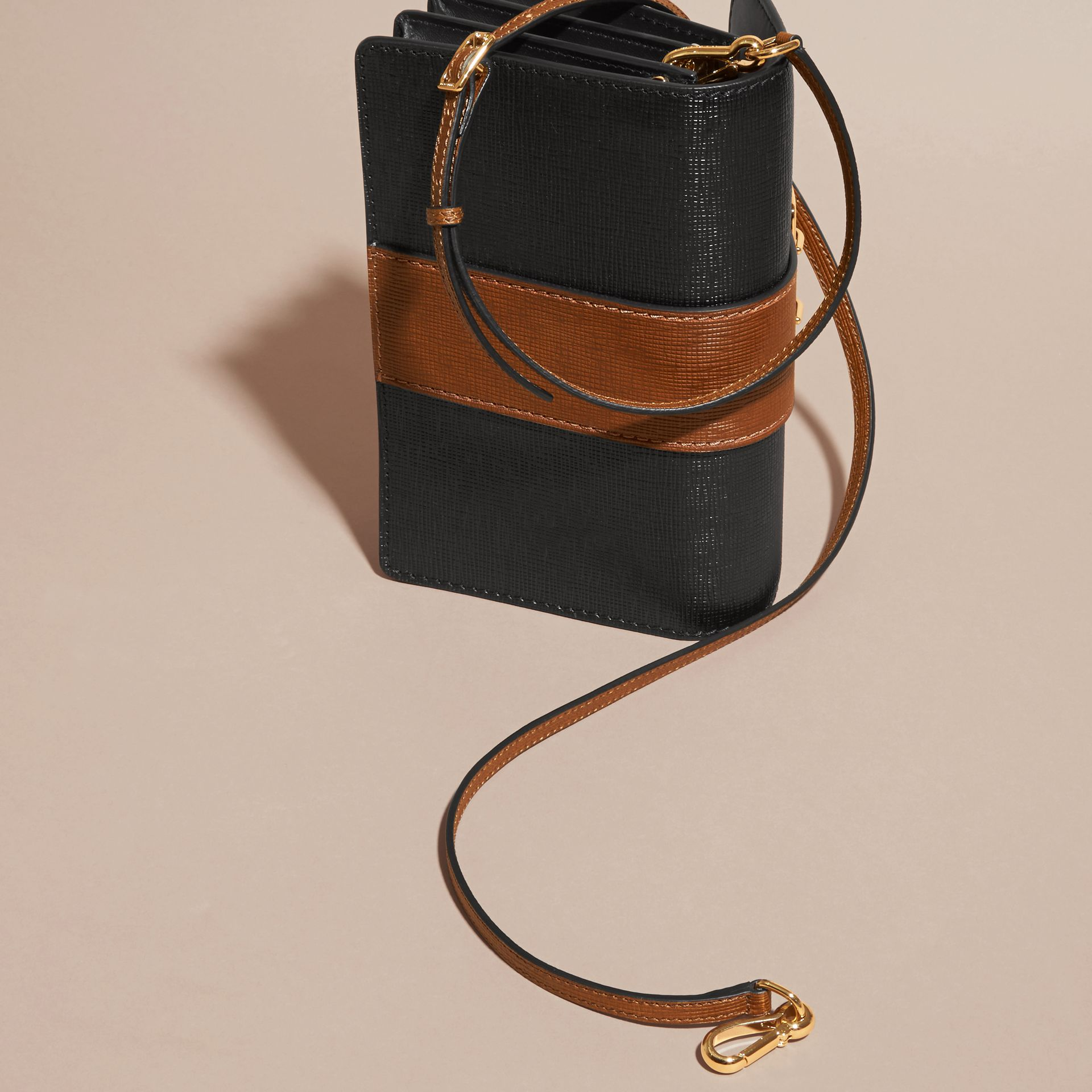 The Medium Buckle Bag in Textured Leather in Black/tan - gallery image 5