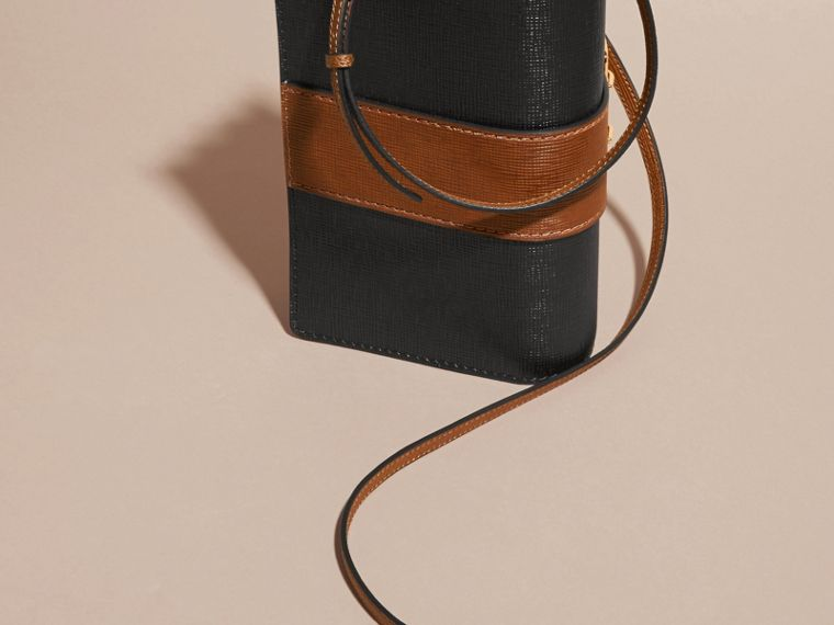 The Medium Buckle Bag in Textured Leather in Black/tan - cell image 4