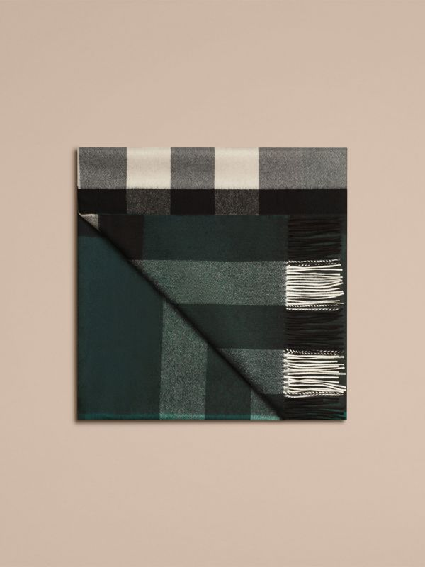 Check Cashmere Blanket in Dark Forest Green | Burberry United Kingdom - cell image 3