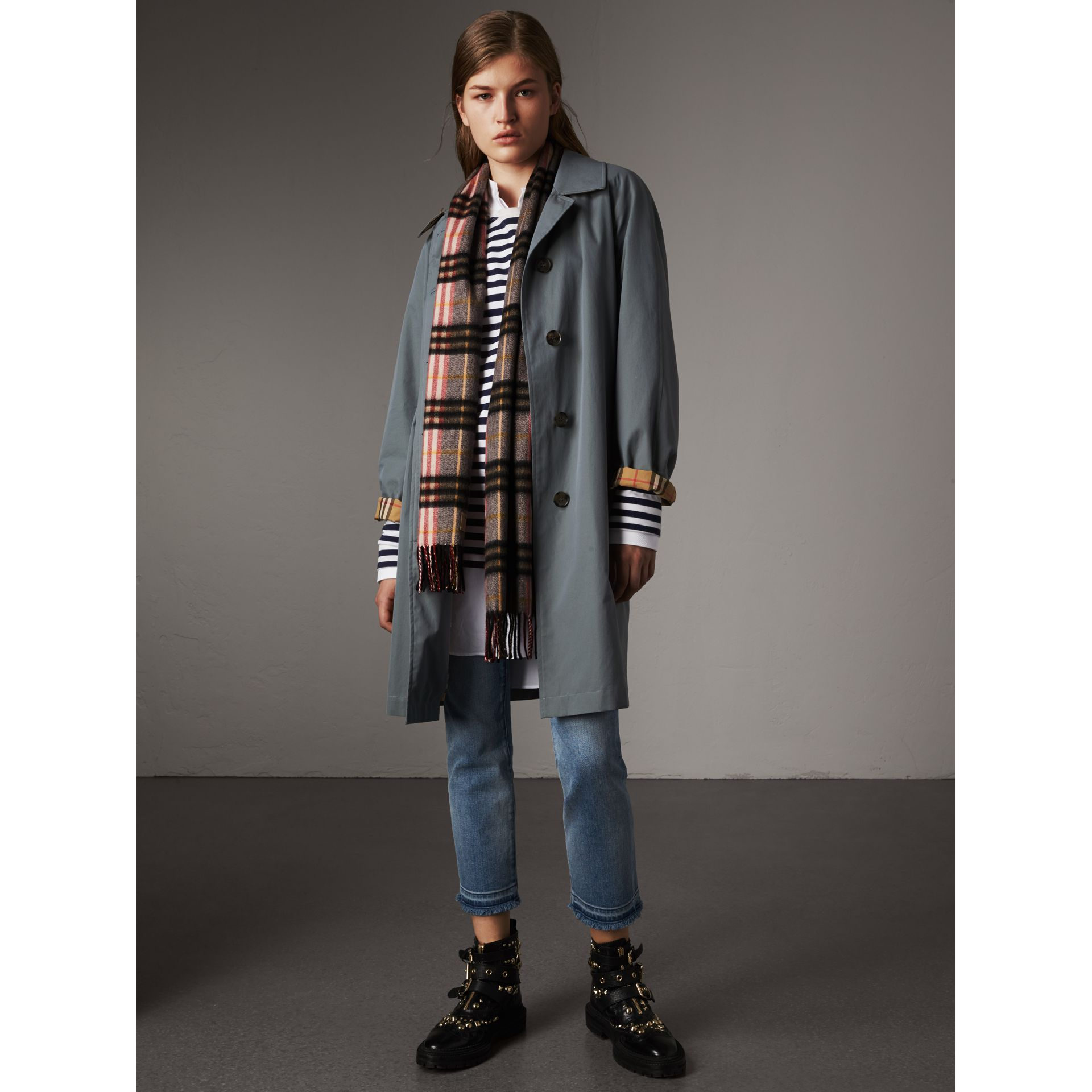 Check Cashmere Scarf in Ash Rose | Burberry Australia - gallery image 3