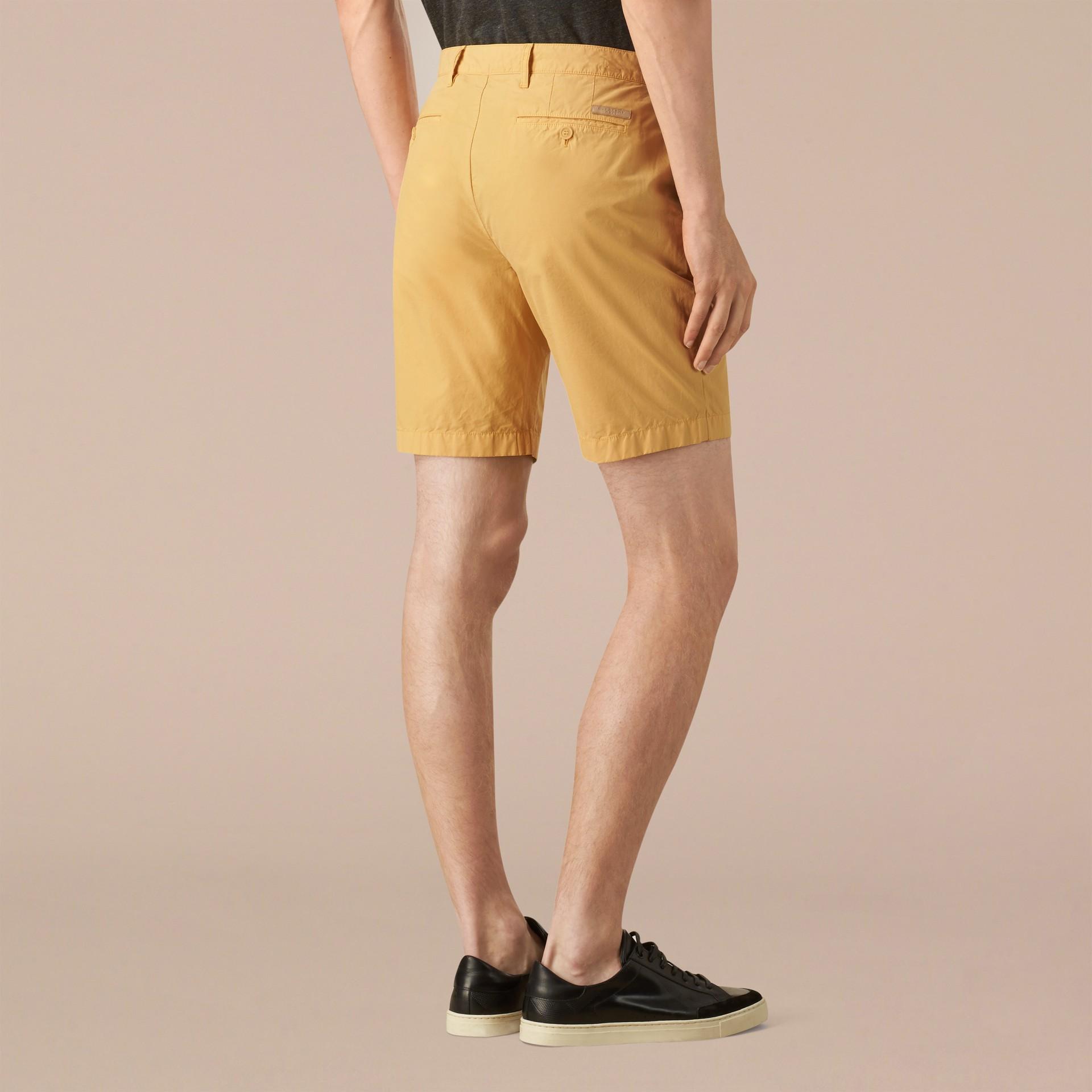 Giallo fiordaliso Pantaloncini chino in popeline di cotone Giallo Fiordaliso - immagine della galleria 2