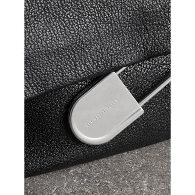The Medium Pin Clutch in Leather - Black Burberry FcqaVAv5